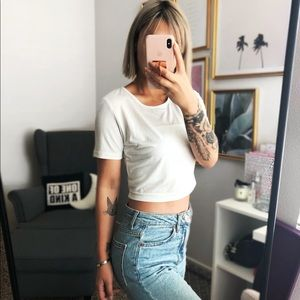 MISSGUIDED WHITE CROPPED TEE